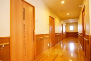 居室は全て一人用の個室で20室ございます。落ち着いてお過ごしいただけます。